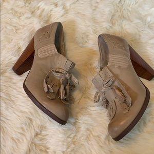 Seychelles tan heels size 7.5 EUC
